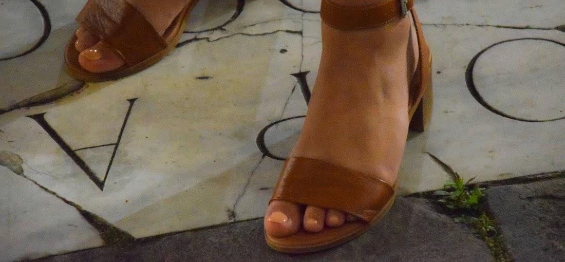 braune Sandaletten mit Absatz